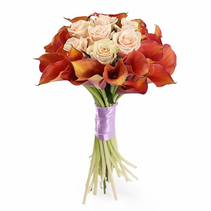 Букет Шарм аристократа  из 25 калл и розы