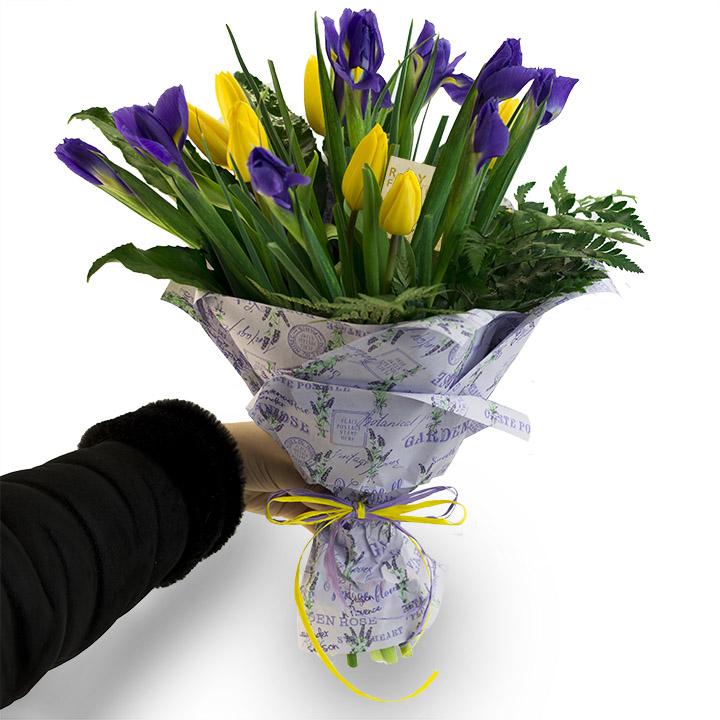 """Букет """"Улыбка"""" из 19 Тюльпанов и Ирисов - Днепр"""