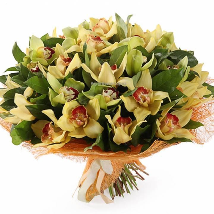 Орхидея в букете Вдохновение