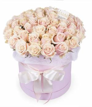 51 кремовая роза в шляпной коробке