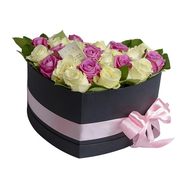 29 роз в коробке Сердце : розы белые и розовые - Днепр