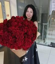 101 красная метровая роза