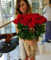 21 красная метровая роза