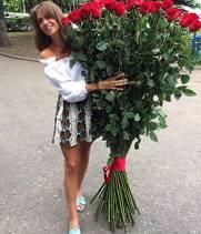 Метровые премиум розы  белые и красные от 7 шт