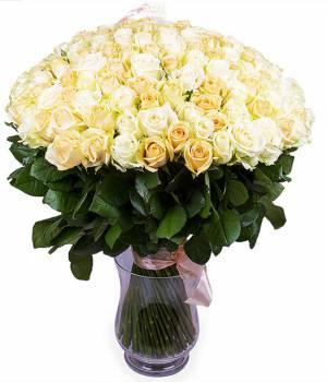 Букет Нежность из 101 бело-кремовой розы