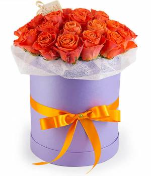 25 оранжевых роз в шляпной коробке