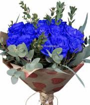 Синие розы - в букете