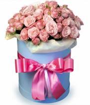 11 кустовых роз в коробке Одилия