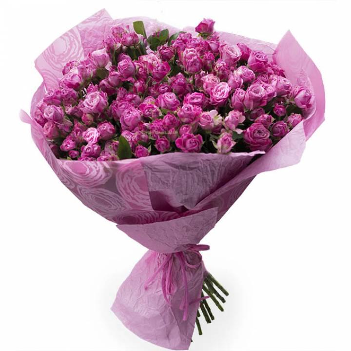 Кустовые розы в букете Грация