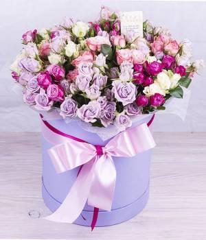 Букет Радуга из роз в коробке