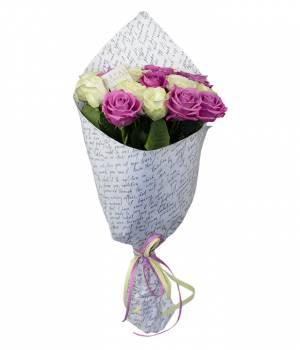 19 белых и розовых роз - Аваланч и Аква