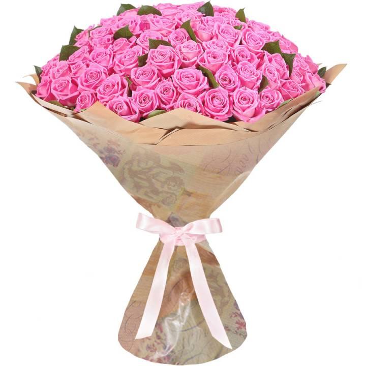 Букет 51 розовая роза в крафт бумаге
