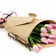 Где купить цветы к 8 марта: интернет-магазин или оффлайн