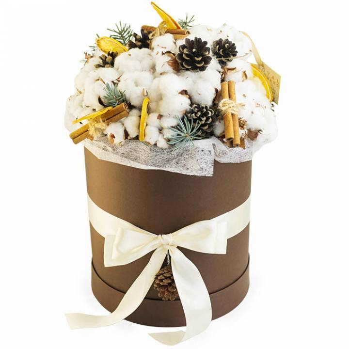 Зимняя композиция Снежная коробочка счастья из хлопка, корицы и апельсинов