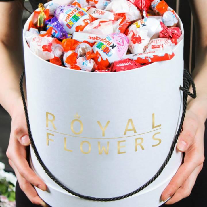 Коробка со сладостями: