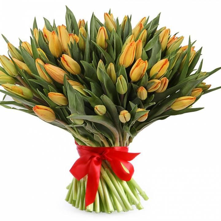 101 оранжевый тюльпан в букете