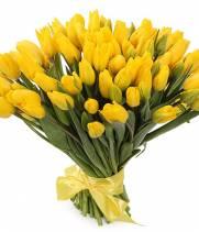 101 желтый тюльпан в букете Рассвет