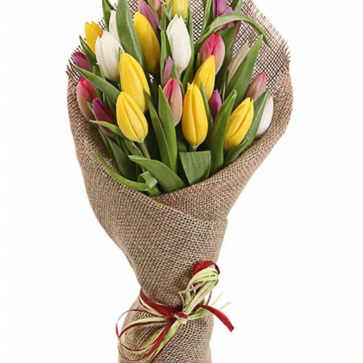 Букет LOFT из 29 тюльпанов