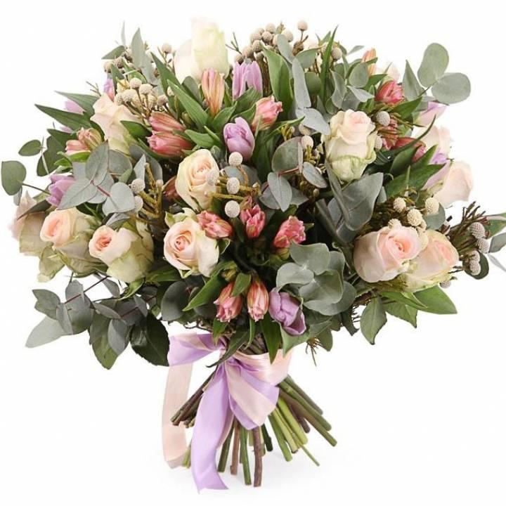 Букет из Тюльпанов и Роз - микс
